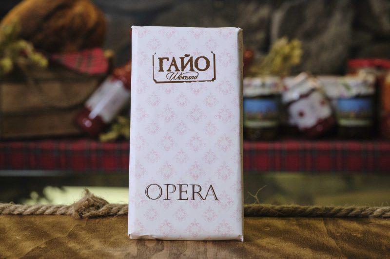 """Гайо """"Opera"""" бял шоколад с какаови зърна 80 гр . 1"""