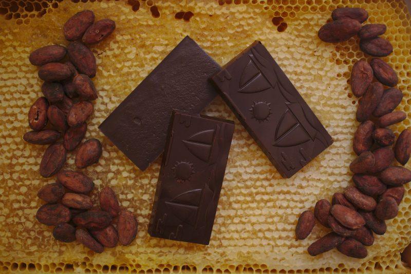 "Жив шоколад с мед и лют пипер ""Christov"" 84 гр . 2"